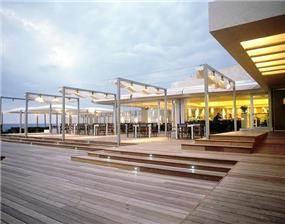 """חזית מסעדת """"רוקה"""" הרצליה בתכנון סטודיו גד"""