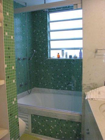 דירה ת''א - חיפוי פסיפס בחדר האמבטיה