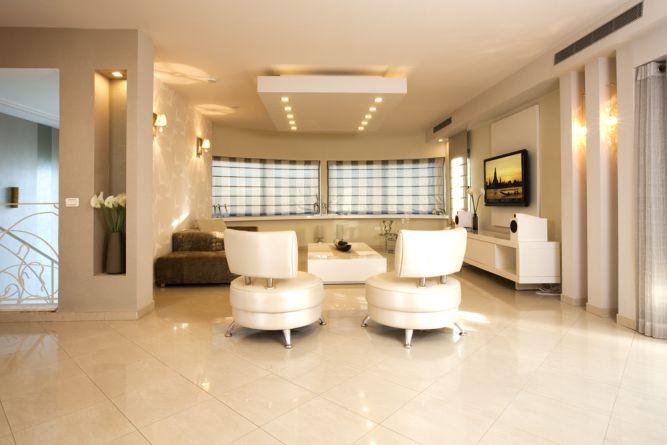 מבט על הסלון.  סגנון מודרני קלסי  עיצוב-ענת רגב