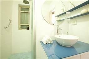 מקלחת מעוצבת, ענת רגב - אדריכלות אחרת
