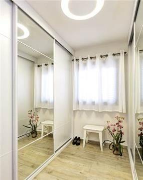 חדר ארונות מעוצב, ענת רגב - אדריכלות אחרת