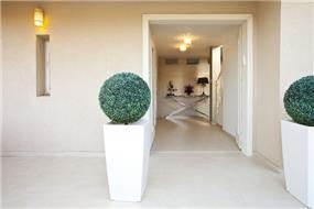 כניסה לבית, ענת רגב - אדריכלות אחרת