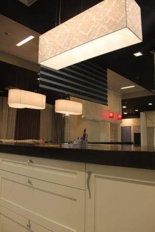 תאורה מעל אי במטבח, טליה עיצוב פנים ותאורה