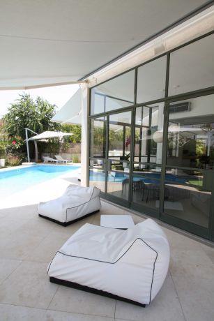 עיצוב פינת מנוחה בגינת בית פרטי. יניב סולומון - אדריכלות ועיצוב פנים