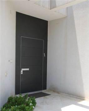 עיצוב חזית בית, בסגנון מודרני ויוקרתי. יניב סולומון - אדריכלות ועיצוב פנים