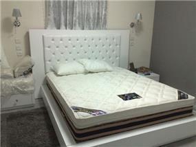 חדר שינה קלאסי חדשני