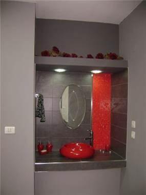 תגלחת אורחים בעיצוב מודרני