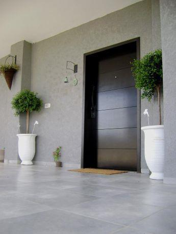 כניסה לבית מודרני