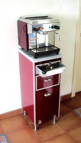 מעמד למכונת אספרסו ביתית, תכנון פונקציונלי ייחודי