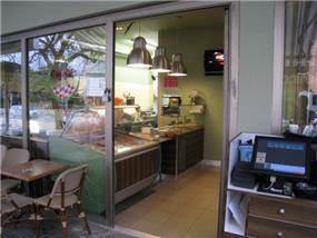 בית קפה בעיצוב מיכאל הדס