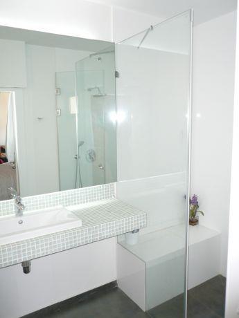 חדר אמבטיה בעיצוב סורנה כפיר