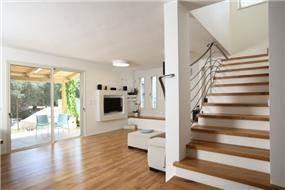 חלל בית בעיצוב ענבליקה