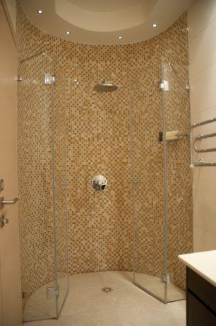 מקלחת זוגית בשילוב פסיפס אוניקס