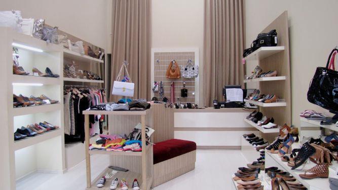 חנות נעלים