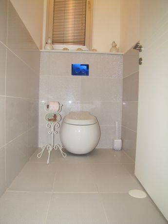 חדר שירותים בעיצוב שלומית בן צור