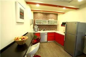 מטבח במשרדי חברה, עיצוב שלומית בן צור