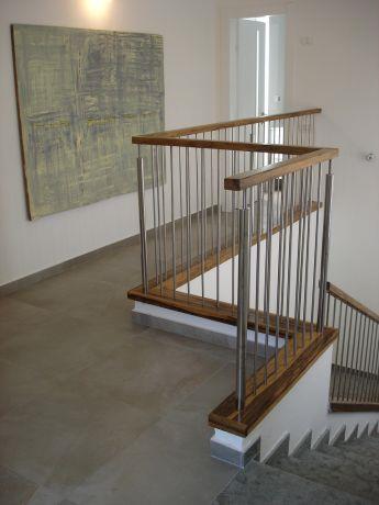 חדר מדרגות בעיצוב רונה זגר