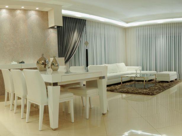 סלון ופינת אוכל בדירת יוקרה באשדוד- עיצוב חני פוקס