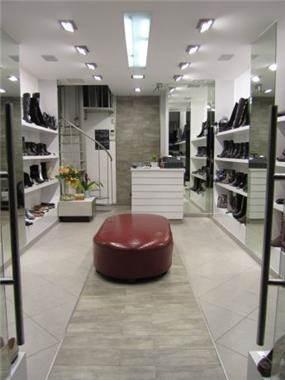 חנות נעליים מודרנית וייחודית - i.m design