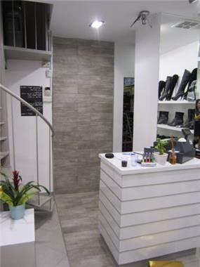 חנות נעליים בעיצוב i.m design
