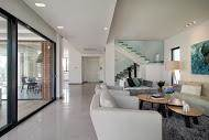 מבט אל חלל הסלון בעיצוב פנים מודרני ויוקרתי - BLV תכנון ועיצוב פנים - זהר בן לביא