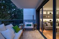 מבט אל מרפסת הבית בעיצוב קלאסי  - BLV תכנון ועיצוב פנים - זהר בן לביא