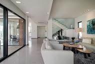 נתיב הכניסה לבית  המודגש ע''י הנמכת גבס בעיצוב מודרני - BLV תכנון ועיצוב פנים - זהר בן לביא