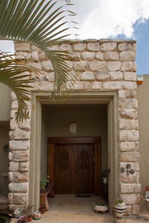 כניסה לבית פרטי, עיצוב אורלי קימה