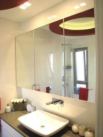 חדר אמבטיה בדופלקס
