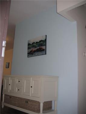 עיצוב מבואת דירה משולבת שידה בסגנון קלאסי ועדין. ענת חיימוביץ אבישר - אדריכלית