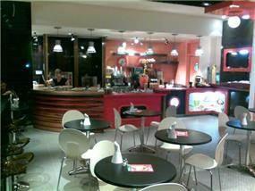 עיצוב בית הקפה ג'וסלנד ברחובות, אייל צייג - עיצוב פנים אדריכלי
