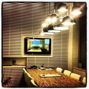 עיצוב חדר ישיבות במשרד יזמות. אייל צייג - עיצוב פנים אדריכלי