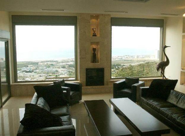 סלון בבית פרטי בדניה חיפה