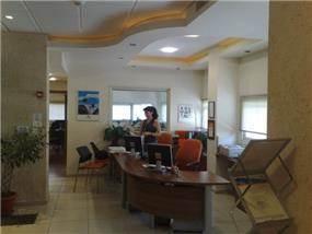 אזור קבלת קהל במשרד בעיצוב יעל דיילס בכר
