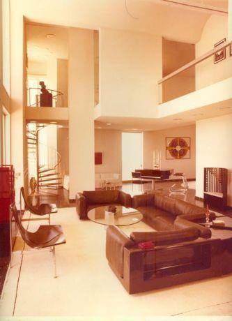 חלל סלון כפול בדירת יוקרה