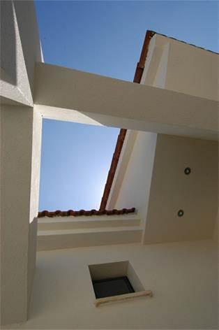 עיצוב מודרני של תקרה וגג רעפים  - אהד יחיאלי, אדריכל