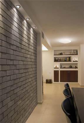 שילוב של קיר בריקים בפינת אוכל, עיצוב KanDesign
