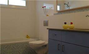 חדר אמבטיה בעיצוב עדי זיו