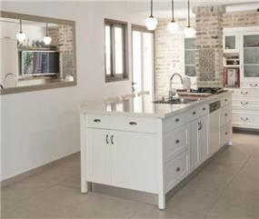 המטבח בעיצוב מודרני עם נגיעות כפריות - עיצוב ותכנון של הילה לוסקי