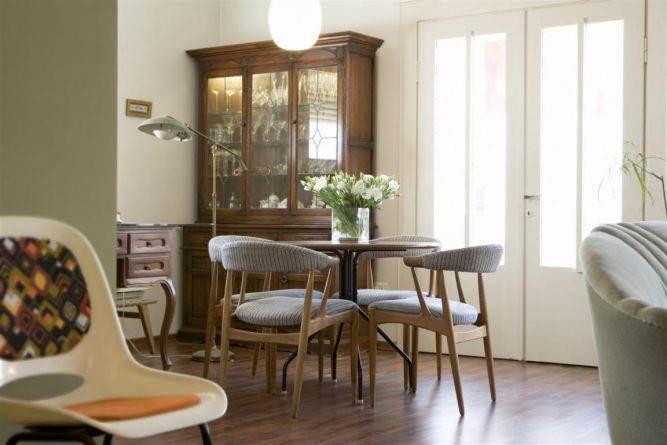 """מגורים בת""""א, בסגנון רטרו, מבט אל פינת האוכל - עיצוב ותכנון של הילה לוסקי"""