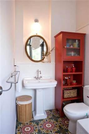 חדר אמבטיה ביחידת הורים, רהיט האמבטיה תוכנן עבור הלקוח