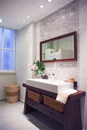 חדר אמבטיה בעיצוב כפרי וחם של סיגל לנמן סוקול