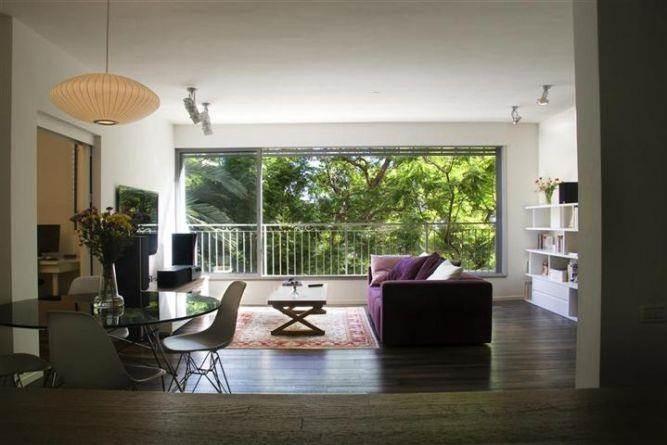סלון מעוצב בדירה שעברה שיפוץ כולל בתכנון ועיצוב של דלית לילינטל