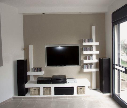 קיר נישות בבית בסגנון מודרני וביתי. עיצוב: יעל אפרתי תכנון ועיצוב פנים