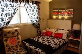חדר משופץ של נערה צעירה בצבעי שחור, לבן ואדום. עיצוב: יואלה בר-טל