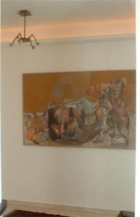מבואה עם תאורת קיר עליונה שקועה בעיצוב ותכנון של שרי בר-נע גבעון