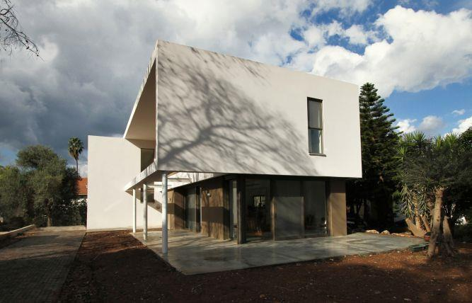 חזית בית עיצוב מודרני וייחודי בתכנון saab architects