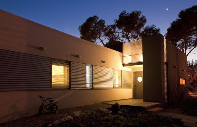 מבט לעבר הכניסה תכנון: saab architects