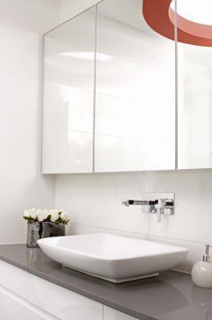 חדר אמבטיה מודרני בפנטהאוז ברמת השרון. עיצוב של טלי סטוף