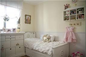 חדר ילדה בסגנון קלאסי נסיכותי